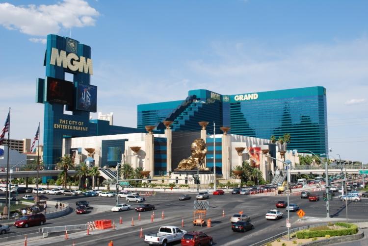 Metropolis casino poker
